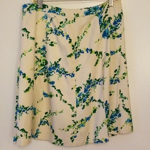 Ann Taylor 100% silk skirt with green leaf pattern